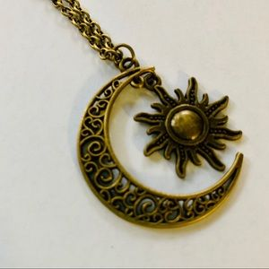 🌼NEW-Moon and Sun antique gold metal necklace